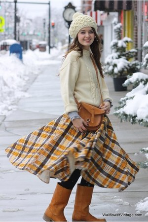 beige Wallflower Vintage sweater - mustard Wallflower Vintage skirt - neutral Wa