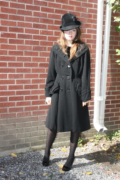 black Wallflower Vintage coat - black vintage 1960s Wallflower Vintage hat