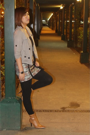 brown boots - brown buttoned jacket - black leggings - tank top - skirt