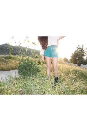 boots - sweater - shorts