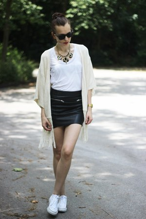 faux leather H&M skirt