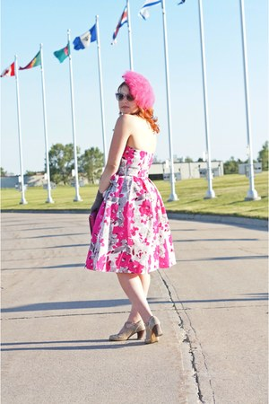 bubble gum Adrianna Papell dress - bubble gum feather vintage hat