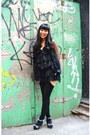 Black-steve-madden-heels-black-stockings-black-f21-skirt-black-forever-21-