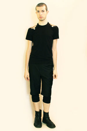 black DIY t-shirt - black Deep Style shorts - black boots