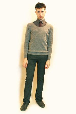 heather gray H&M shirt - ruby red Zara tie - heather gray Zara pants - heather g