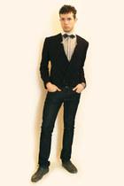 cream Sisley shirt - navy H&M blazer - blue Zara jeans - charcoal gray Zara shoe