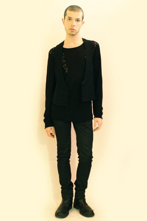 black H&M t-shirt - black Vintage from Florence vest - black Zara pants - black