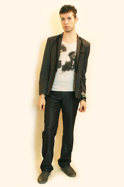 heather gray Hanjiro blazer - cream Zara t-shirt - heather gray Zara pants - hea