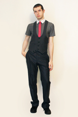 Hanjiro shirt - Harajuko Tokyo vest - Vintage from Florence tie - Zara pants - s