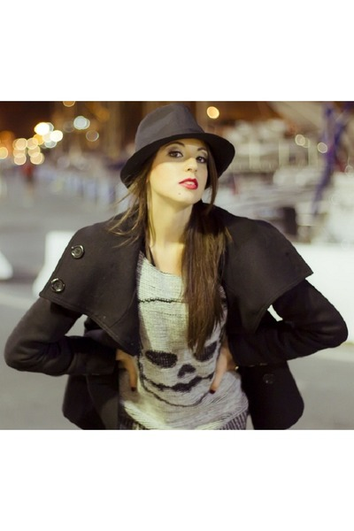 H&M coat - DayDay hat - Pull & Bear sweatshirt