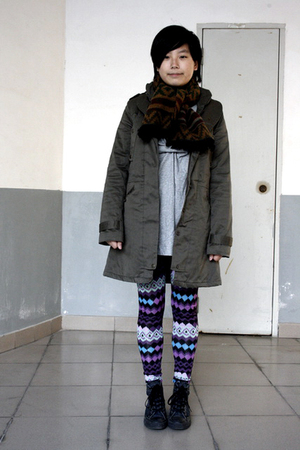 gray AVEC homme t-shirt - brown JUNG HWA TEXCO scarf - green coat - purple NARA2