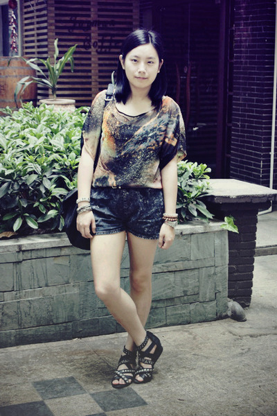 black rubi bag - dark gray denim shorts - forest green star t-shirt - black stud