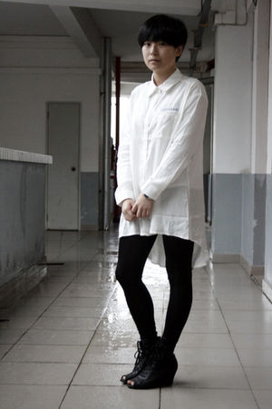 white chapel shirt - black leggings - black Katie Judith shoes