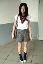 MOSI scarf - Zara t-shirt - twopercent - KACO shorts - stockings - staccato shoe