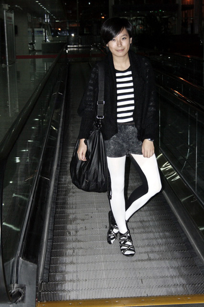5cm t-shirt - ar coat - shorts - ISO purse - tights - puzzle shoes