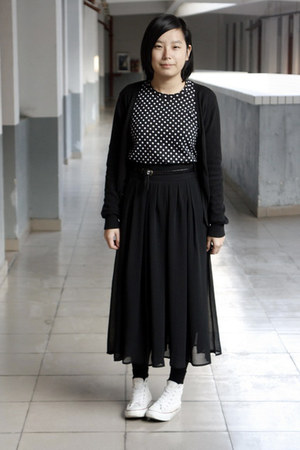 black giordano cardigan - black H&amp;M t-shirt - black belt - black skirt - white C