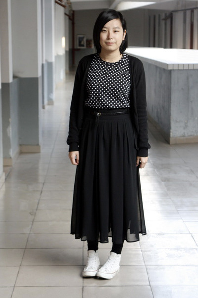 black giordano cardigan - black H&M t-shirt - black belt - black skirt - white C