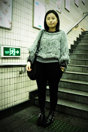 black puzzle boots - heather gray sweater - black DIZEN bag - black As know as p