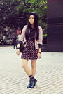 Navy-choc-boutique-boots-navy-uniqlo-hat-hot-pink-twopercent-blazer