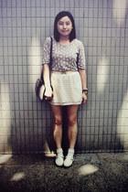 white shoes - tan bag - cream belt - ivory checkered skirt - gold ring - tan rab