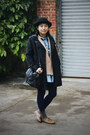 Bronze-h-m-shoes-black-dizen-coat-navy-chapel-leggings-tan-blazer-blue-d