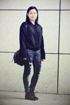 black Bata boots - navy skinny DIZEN jeans - black rubi bag - black moms vintage