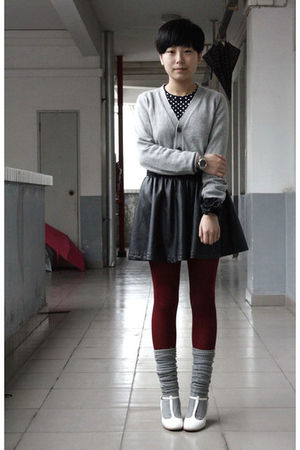 black H&M t-shirt - gray Uniqlo cardigan - black TH belt - black HKR collections