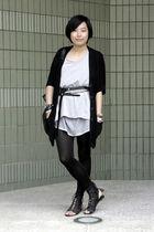 black OFIER cardigan - gray Rosebud t-shirt - black Mango belt - black twopercen