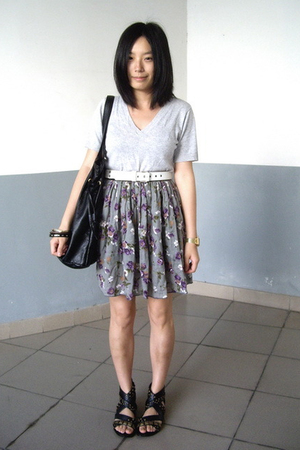 t-shirt - Baby Jane belt - H&M bracelet - skirt - Mango - PEINK shoes