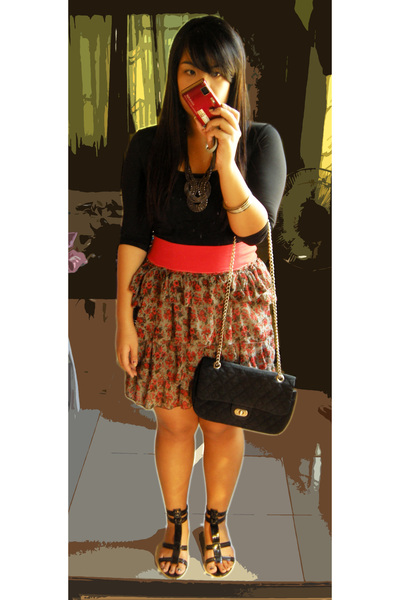 floral tiered skirt. top - Tiered floral skirt