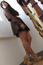 dark brown animal print dress - black studded belt - bronze ring - camel heels