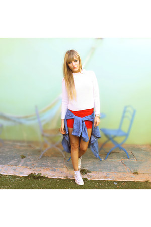 red Primark skirt - cream Zara sweater - cream Converse sneakers