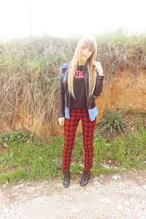 tartan Front Row Shop jeans - Bershka boots - black dc shoes t-shirt