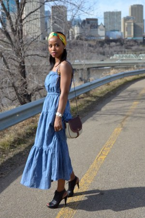 sky blue denim Gap dress