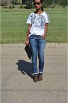 sky blue Gap jeans - white cotton Vero Moda t-shirt - black JustFab heels