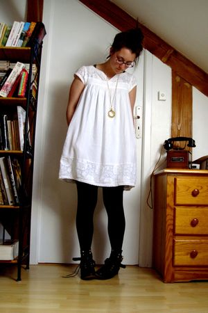 sud express dress - Urban Outfitters shoes