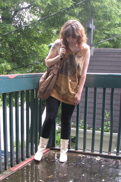 Walmart t-shirt - Topshop purse - Urban Outfitters leggings - Frye boots - Phili