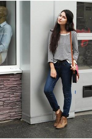 pull&bear boots - Topshop jeans - H&M sweater - Bershka bag