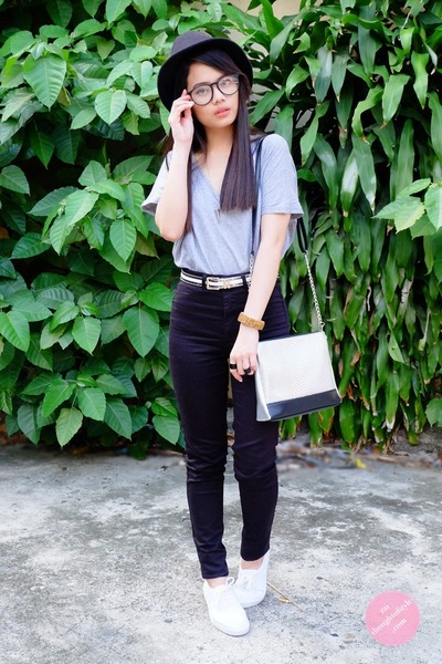 black high waisted H&M jeans - silver Abby Jocson bag - clear Icing sunglasses