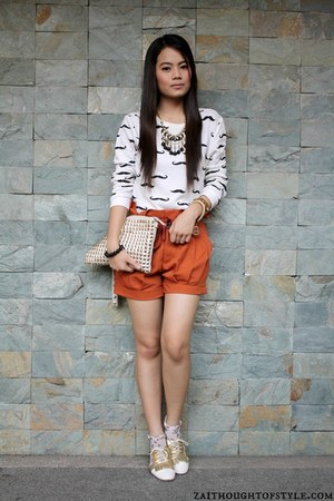 cream Parisian bag - gold Cole Vintage shoes - carrot orange Oxygen shorts