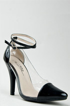 Black-wild-rose-pumps