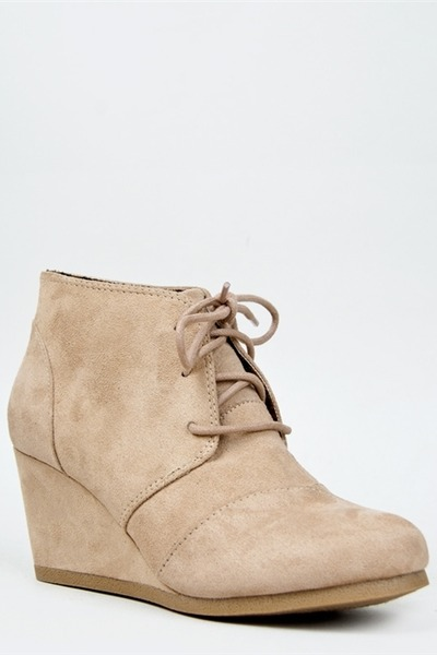 Free shipping and returns on Women's Lace-Up Boots at thritingetqay.cf
