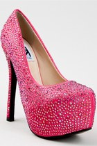Hot-pink-pumps-platform-kiss-kouture-pumps