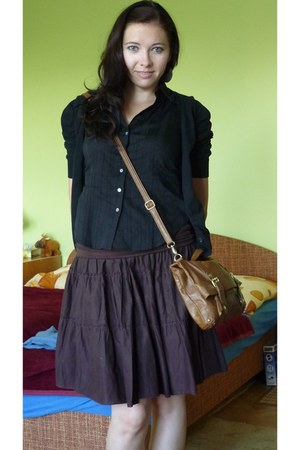brown Atmosphere bag - brown thrifted skirt - black thrifted top - black Yessica