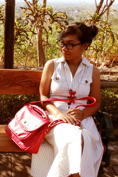 red leather bag bag - lime green cotton dress - red necklace