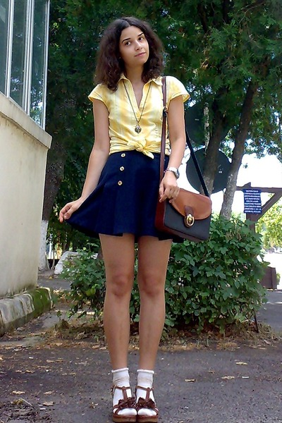 burnt orange thrifted purse - gold H&M shirt - navy pleated thrifted shorts