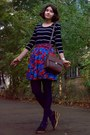 Blue-floral-thrifted-shorts-navy-tights-dark-brown-zara-purse