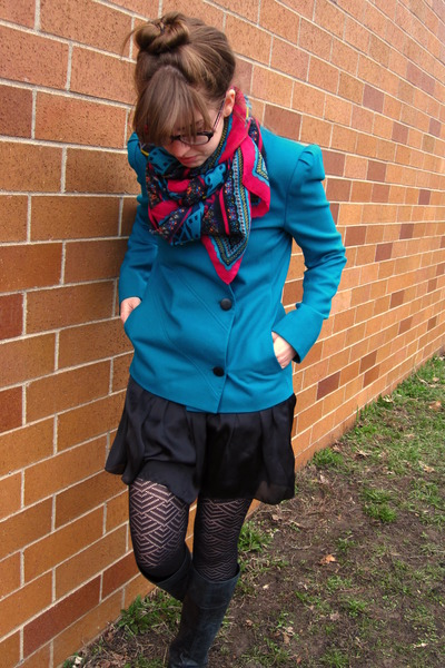 blue vintage blazer - black Steve Madden boots - black Target tights