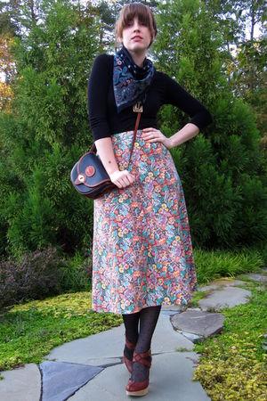 brown vintage skirt - brown seychelles shoes - black H&M shirt
