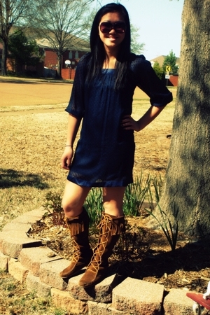 BDarlin dress - Minnetonka boots - fred flare sunglasses